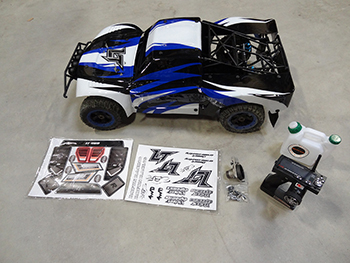 ** USED ** LT 4WD ROLLER Short Course Truck (LOSI 5IVE-T) NO Engine or PIPE